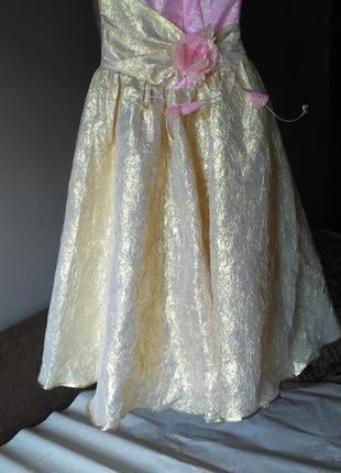 ,шикарное,красивое,выпускное,праздничное,вечернее,стильное,платье,с цветами