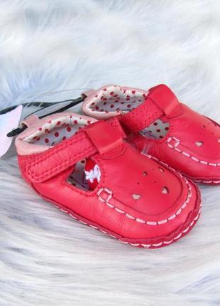 Пинетки обувь- босоножки сандали  marks & spencer