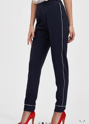 Крутые брюки в пижамном стиле украинского бренда