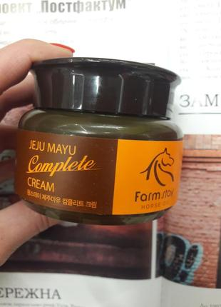 Крем для лица  farm stay jeju mayu complete cream