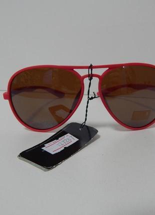 Солнцезащитные очки accessoires с розовой оправой