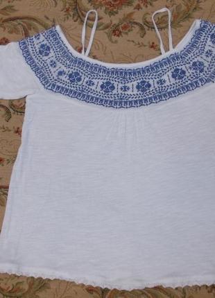 Актуальная блуза с вышивкой и открытыми плечами размер xs-s-6