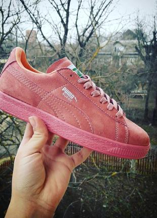 Красивые кроссовки, крутой цвет !!! распродажа!!!