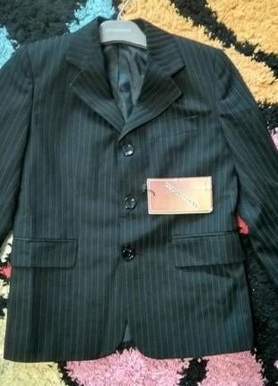 Срочная распродажа!!! новый итальянский пиджак для мальчика