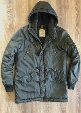 Зимова куртка bershka