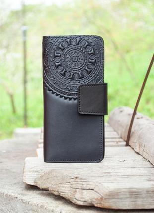 Черный кожаный кошелек женский длинный с орнаментом тиснение
