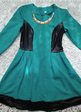 Платье с кожаными вставками, сукня з шкіряними вставками