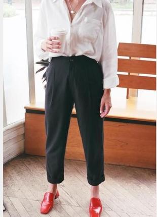 Укороченые брюки с подворотом