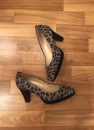 Туфли в леопардовый принт peter kaiser9 фото