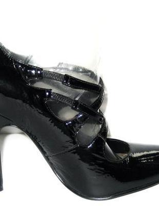 Черные лаковые туфли на высоком каблуке р 38 бразилия  кожаные