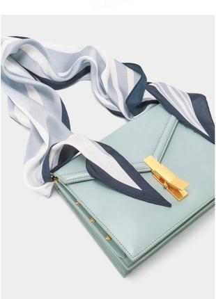 Кожаная сумка с платком