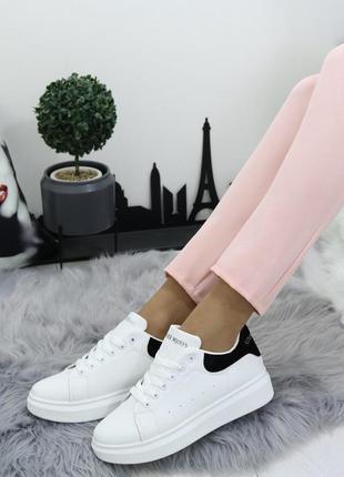 Новые женские белые кроссовки