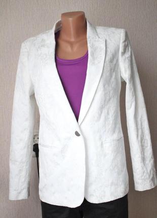 Белый пиджак состояние нового 12 размер massimo dutti