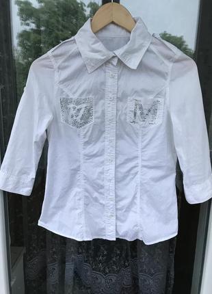 Белая рубашка, жіноча рубашка