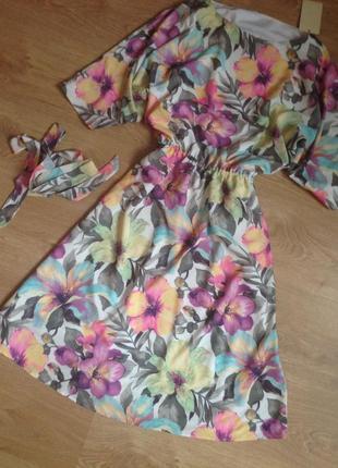 Шикарное дизайнерское миди платье в цветочный принт