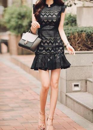 Очень красивое женственное платье