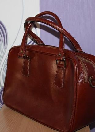 Деловая стильная кожаная сумка lavorazione artigianale италия