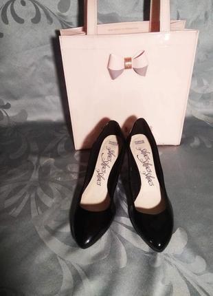 ❗❗❗sale❗❗❗лаковые туфли на каблуке🙊