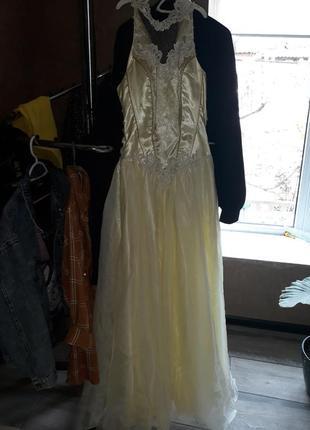 Выпускное платье лимонного цвета
