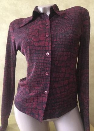 Стильная итальянская рубашка с красивым принтом