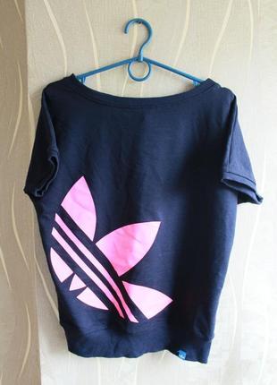 Лучезарная коттоновая модная женская футболка на нижнем патенте adidas