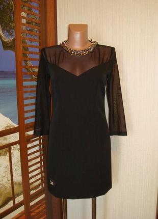 Шикарное черное платье с ожерельем из камней р.8-10