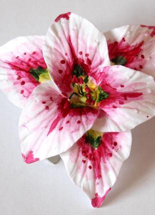 """Заколка цветок из полимерной глины """"лилия"""""""