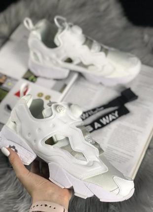 Шикарные женские кроссовки reebok insta pump fury full white