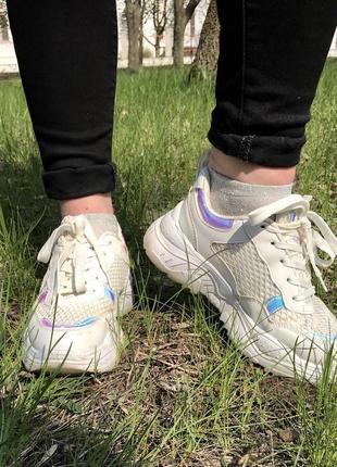 Кроссовки с отражателями