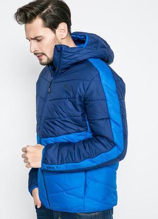 Демисезонная куртка puma. оригинал. идеальный вариант на весну осень.