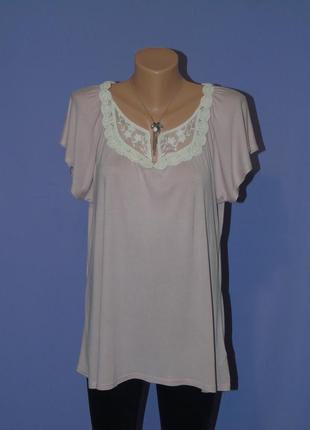 Нежная блузочка с кружевом 16 размера