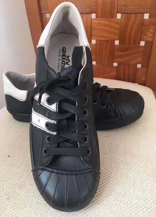 Новые кроссовки кеды италия
