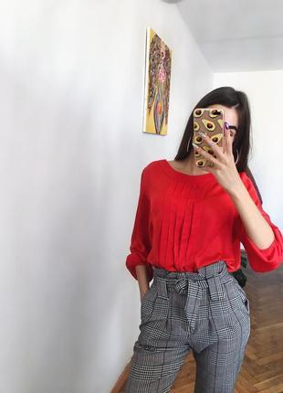 Стильна базова червона блуза красная блуза