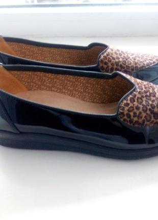 Брендовые лакированные туфли на платформе gabor