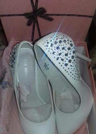 Eva rossi свадебные туфли белые из натуральной кожи 38р.