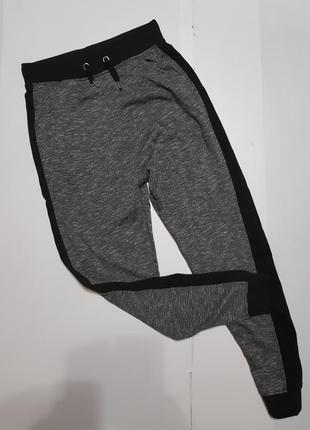 Спортивные штаны размер 8