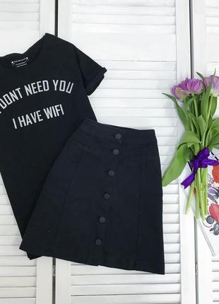 Чорна джинсова спідничка на дуже хеденьку дівчинку