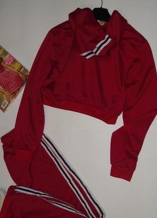 Продам стильный весенне/летний спортивный костюм/с коротенькой кофточкой3 фото