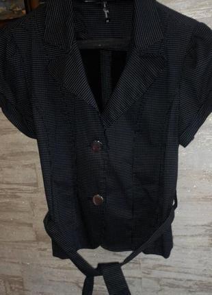 Пиджак с коротким рукавом в мелкий горошек