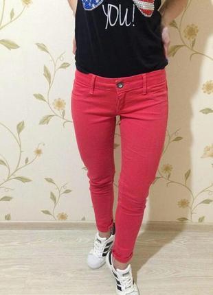 Яскраві штани джеггенси