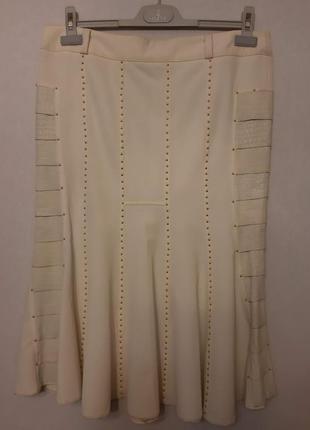 Красивая белая юбка