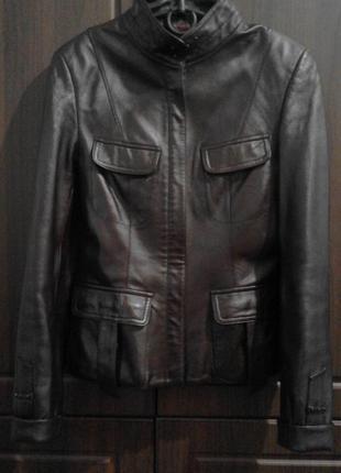 Шкіряна курточка,вишневого кольору, весняна