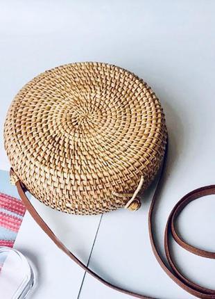 Сумка из ротанга, плетёная сумочка, тренд 2019