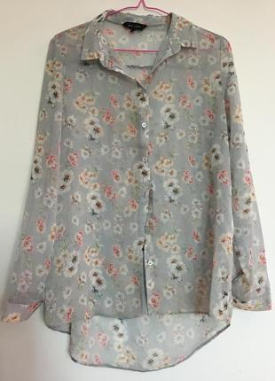 Ніжна блузка в квітку