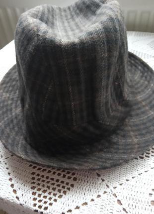 Шляпа шерстяна