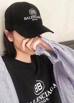 Стильная брендовая кепка бейсболка
