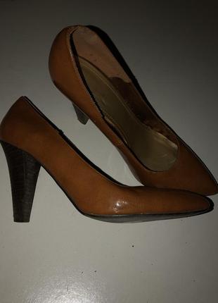 Лаковые туфли лодочки с острым носом от h&m