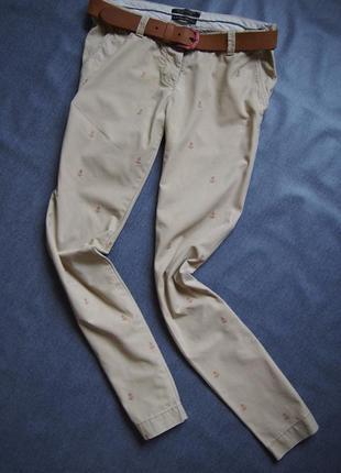 Стильные чиносы брюки с якорьками от maison scotch