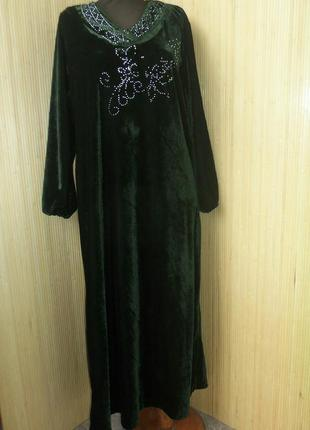 Зеоеное велюрлвое платье