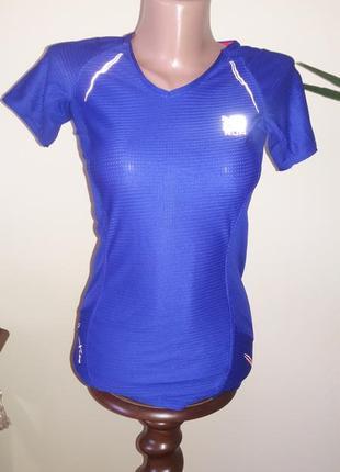 Качественная футболка для спорта